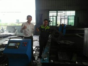 cnc plasma cutting machine image